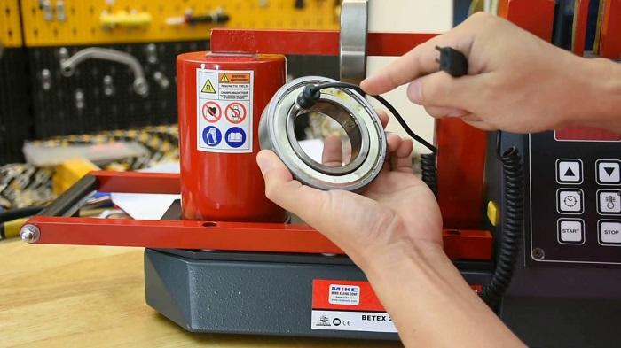 Máy phát ra tiếng kêu là một trong những dấu hiệu của việc vòng bi bạc đạn bị hư hỏng